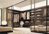 Cabina armadio elegante con o senza tubi: quale comprare senza spendere troppo?