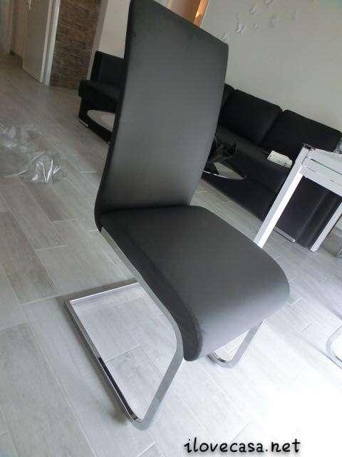 Tavolo allungabile e sedie moderne da mettere in soggiorno ...