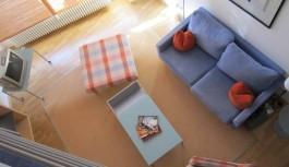 Mensola angolare 50x50cm al posto del mobile TV per la camera da letto