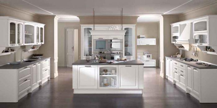 Penisola cucina piano e forno dimensioni modelli grandi for Grandi isole di cucina