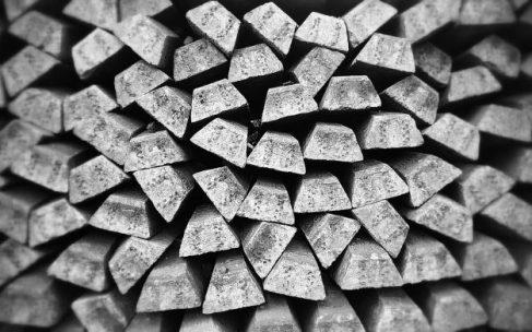 Come pulire l'argento annerito o ingiallito senza graffiarlo