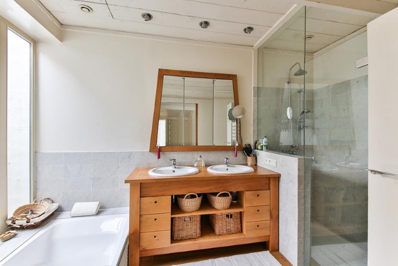 Come rifare il bagno costi consigli su cosa scegliere in case moderne e non