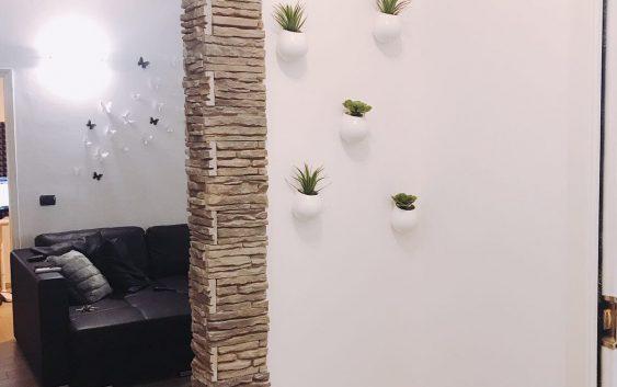 Vasi da appendere con piante in casa idee per arredare for Idee per appendere foto