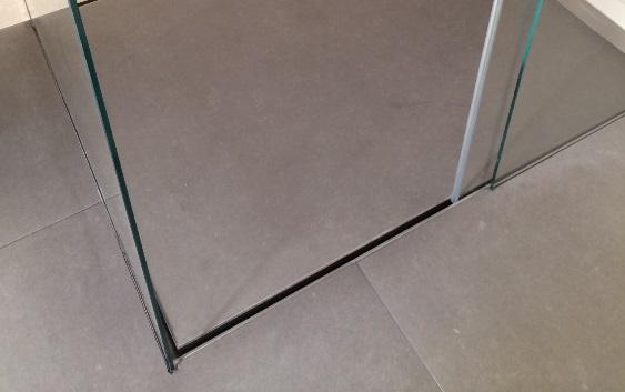Piatto doccia filo pavimento cosa sapere opinioni vantaggi svantaggi - Posare un piatto doccia ...